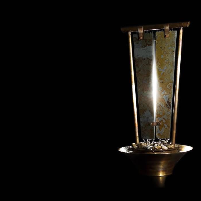 poza fantana decorativa din ardezie si cupru patinat - model Dialog realizat de bluConcept