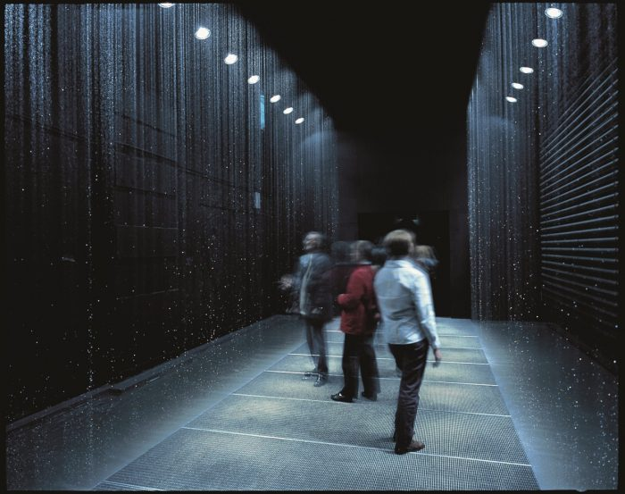 Olafur Eliasson: The reflective corridor, Draft to stop the free fall, 2002.
